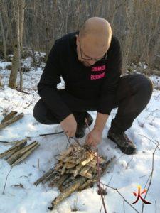 yaka survie allumage feu sur la neige