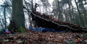 Dormir sur le sol - YakaSurvie -